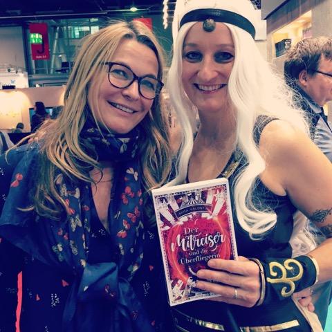 Frankfurter Buchmesse 2017 Julia K. Stein und Mira Valentin